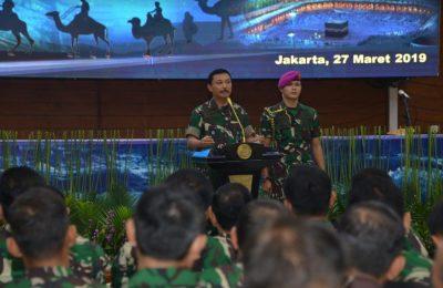 Kepala Staf Angkatan Laut (Kasal) Laksamana TNI Siwi Sukma Adji, S.E., M.M., di acara peringatan Isra' Mi'raj Nabi Muhammad SAW 1440 di Mabesal, Cilangkap Jakarta Timur, Rabu (27/3/2019).
