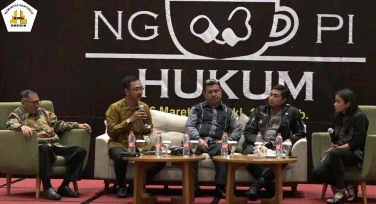 Ngopi Hukum KWG dengan narasumber Tursilowanto Harijogi, Bayu Probo Sutopo, Fransiskus Arkadeus Ruwe dan AKBP Wahyu S Bintoro. (Foto/didik hendri).