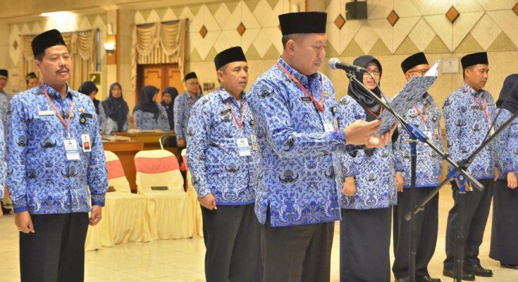 Sekda Gresik Andhy Hendro Wijaya saat dilantik Menjadi Ketua Korpri Gresik. (foto: dik)