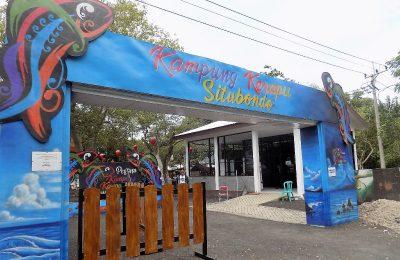 Pintu gerbang wisata Kampung Kerapu Desa Klatakan, Kecamatan Kendit, Situbondo. (foto:fat)