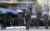 Tentara Filipina saat berpatroli di lokasi ledakan bom pada Januari di provinsi Sulu, Filipina Selatan. (Foto. Ist)
