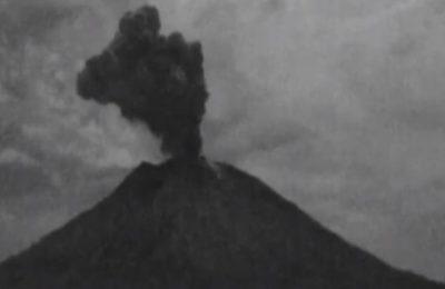 Erupsi Gunung Agung, Minggu 21 April 2019. (foto. Ist)