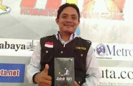 Direktur LSM FPSR Aris Gunawan siap maju sebagai kandidat Bupati Gresik pada Pilbup 2020 mendatang. (foto/didik hendri)