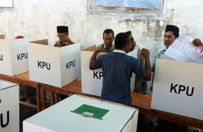 Suasana pemilihan umum serentak di kota Situbondo. (foto:fat)