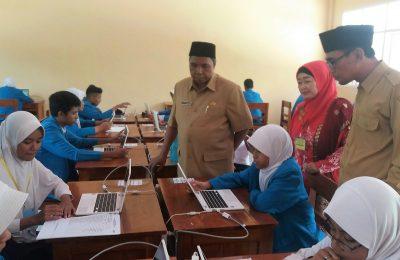 Pelaksanaan UNBK SMP dan Mts di Kabupaten Situbondo Tahun 2019. (foto:fat)