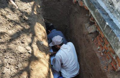 Pemakaman jenazah anggota KKPS  Situbondo yang meninggal akibat kelelahan. (foto:fat)