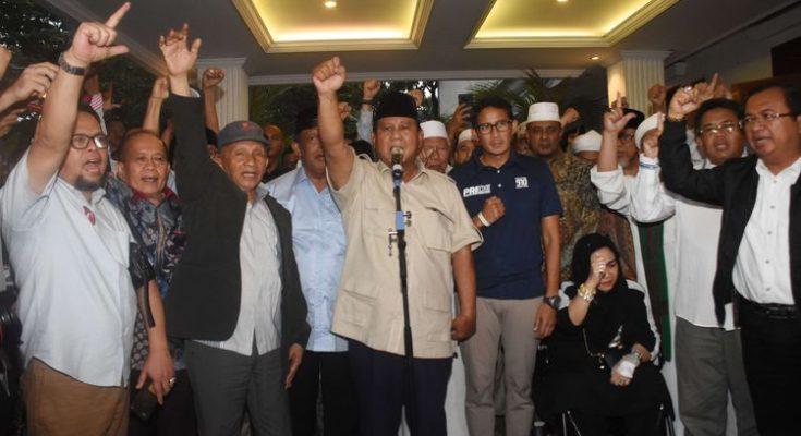 Capres/Capres Prabowo-Sandiaga Uno bersama tim BPN. (foto:istimewa)