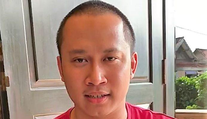 Dheva Suprayoga, pemuda intelek asal Kebumen, awalnya dicurigai sebagai pemuda bergamis dan berpeci yang mau memenggal Presiden Jokowi