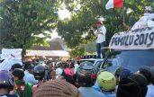 Ribuan massa yang mengatasnamakan Aliansi Masyarakat Peduli Demokrasi (AMPD) Situbondo, mendatangi Kantor Badan Pengawas Pemilu  (Bawaslu)  dan Kantor Komisi Pemilihan Umum (KPU) Kabupaten Situbondo. (Foto:fat)
