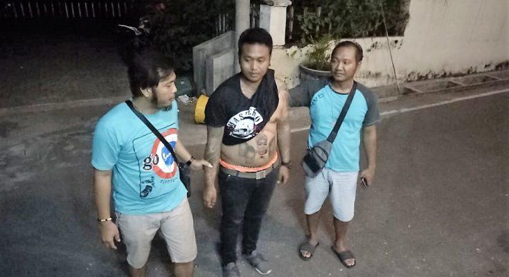 Tersangka  berhasil ditangkap oleh Opsnal Polres Situbondo (foto:fat).