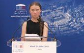 Greta Thunberg (16) menyampaikan pidatonya tentang perubahan iklim global di komite parlemen Prancis di Paris. (foto. Istimewa)