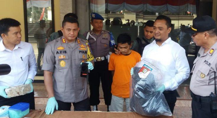Pelaku pembunuhan pedagang ayam di Pulo Mangga mengaku dililit hutang. (foto:ltf)