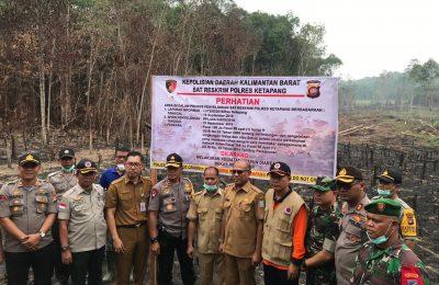Polda Kalimantan Barat kembali melakukan penyegelan lahan milik korporasi yang melakukan pembakaran hutan. (foto:das)