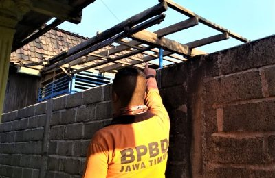 Kondisi rumah terdampak bencana angin puting beliung. (foto:fat)