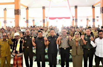 Deklarasi damai di pendopo Kabupaten Situbondo. (foto:fat)