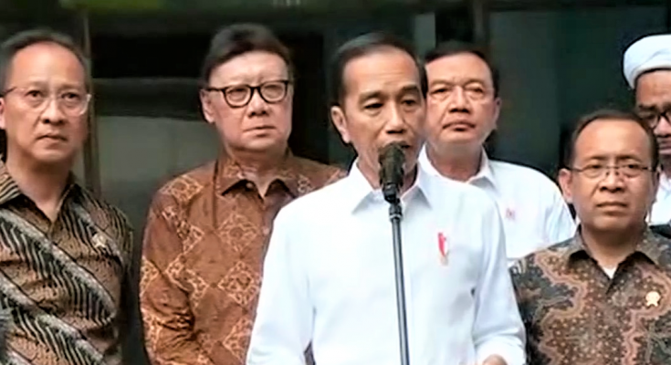 presiden Jokowi minta Kapolri untuk mengusut secara tuntas penyerangan terhadap Menkopolhukam wiranto. (foto: istimewa)