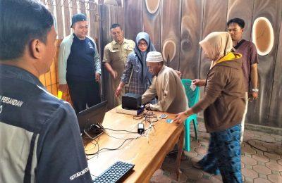 Simulasi pilkades e-voting di salah satu dusun di Desa Balung, Kecamatan Kendit. (foto:fat)