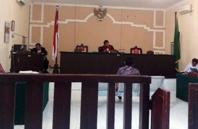 Sidang praperadilan di PN Tanjungpinang terkait mangkraknya penanganan kasus korupsi tunjangan perumahan pimpinan dan anggota DPRD Natuna senilai Rp 7,7 miliar. (Ist)