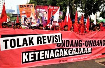 Demo Buruh tolak Revisi RUU Ketenagakerjaann. (foto:ist)
