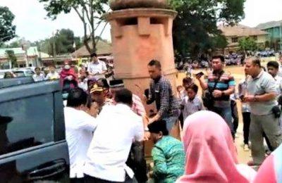 Peristiwa penusukan terhadap menko Polhukam Wiranto di Pandeglang, Banten. (foto:ist)