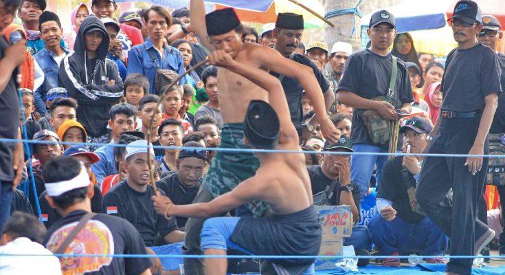 Para peserta lomba ojhung saat bertanding, (foto:fat)