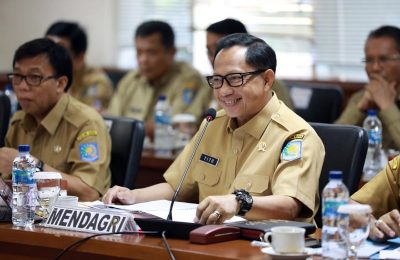 Mendagri Tito Karnavian saat rapat kerja dengan Komite I Dewan Perwakilan Daerah (DPD) di Gedung Parlemen, Senayan, Jakarta, Senin (18/11/2019). (Ist)