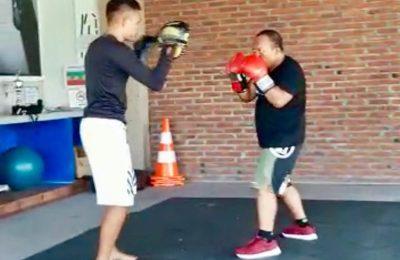 Latihan tinju di Wake Boxing Camp, Jalan Raya Gaga No. 9 Keramas, Kecamatan Blahbatuh, Gianyar. (Ist)