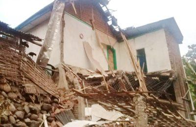 kondisi milik korban H Asmawi yang ambruk. (foto:fat)