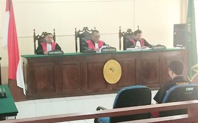 Suasana Sidang di pengadilan negeri Sanggau. (foto:das)
