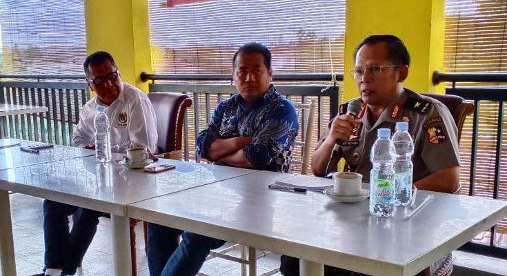 Karo Multimedia Divisi Humas Polri, Brigjen Budi Setiawan saat menyampaikan pesan dalam diskusi 'Upaya Peran Pers Mahasiswa dan Generasi Millenial dalam Membendung Paham Radikalisme'.