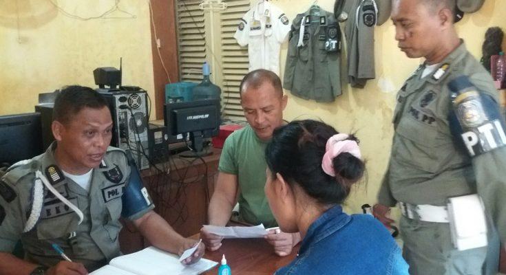 Para PSK saat diamankan di Kantor Satpol PP Kabupaten Situbondo. (foto:fat)