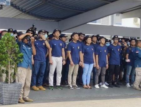 Para ABK World Dream saat tiba di kolinlamil Tanjung Priok sebelum dipulangkan ke daerahnya maing-masing. (foto:ist)