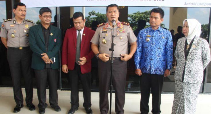 Penandatanganan Nota Kesepahaman Polda Lampung bersama IDI, IBI dan DPW PPNI Provinsi Lampung, Selasa (17/3/20).