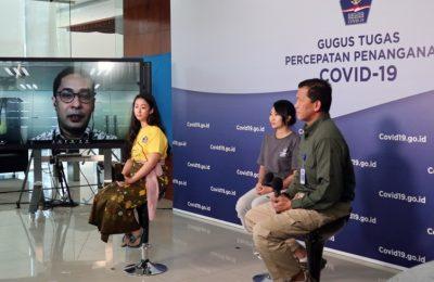 Ketua Koordinator Relawan Gugus Tugas Penanganan COVID-19, Andre Rahadian memberikan keterangan secara daring yang disiarkan dari Media Center Gugus Tugas Percepatan Penanganan COVID-19, Graha Badan Nasional Penanggulangan Bencana (BNPB), Jakarta, Kamis (16/4/2020). (Foto: Humas BNPB/Ignatius Toto Satrio)