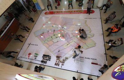 Polda Kalbar melakukan simulasi sistem pengamanan kota (Sispamkota) dengan menggunakan metode Tactical Floor Game (TFG). (foto:das)