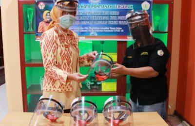 pelatihan pembuatan face shield yang digelar Fakultas Teknik Universitas Tanjungpura (Untan) Pontianak.