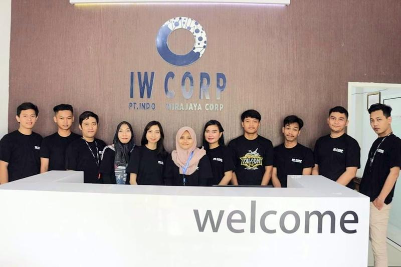Karyawan IW Corp. (Ist)