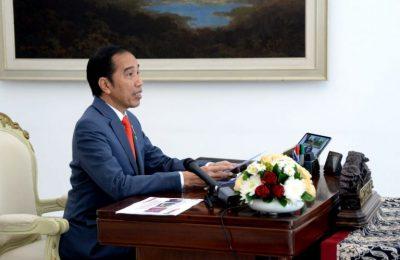 Presiden Jokowi dalam sidang kabinet paripurna melalui telekonferensi dari Istana Kepresidenan Bogor, Jawa Barat, Selasa (14/4/2020). (Foto: Lukas – Biro Pers Sekretariat Presiden)