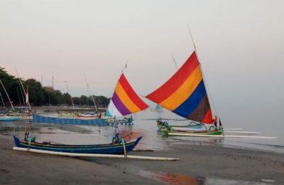 Kondisi wisata bahari Pasir Putih, Situbondo, ditengah mewabahnya virus corona atau covud 19 di Kabupaten Situbondo. (fotoi.fat)