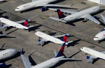 Virus Corona membuat pesawat-pesawat parkir di bandara-bandara di seluruh dunia. (foto. Ist)