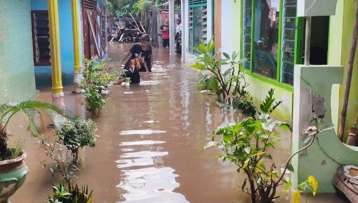 Kondisi rumah warga yang tergenang air. (foto:fat)