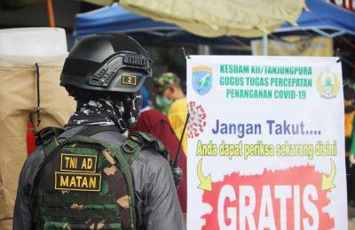 Rapid test dilakukan secara gratis oleh Kodam XII Tanjungpura bekerjasama dengan Dinas Kesehatan Provinsi Kalimantan Barat.(foto:das)