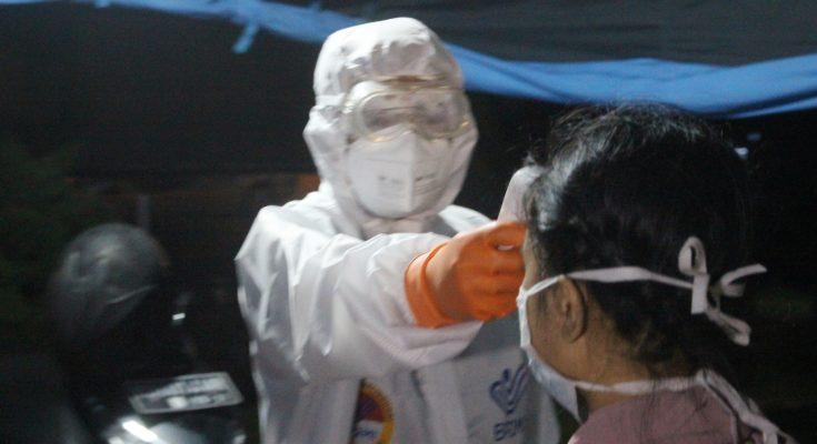 Para pekerja migran Indonesia menjalani Rapid test . (foto:das)