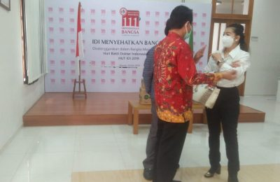 Hasnaeni,usai penyerahan bantuan, APD di Kantor Pusat IDI (Ikatan Dokter Indonesia)