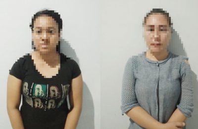 Dua wanita kurir sabu diamankan Tim khusus Direktorat Narkoba Polda Kalimantan Barat. (foto:das)