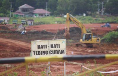 Proyek pembangunan proyek strategis nasional pembangunan Pabrik Alumina Indonesia smelter di Desa Bukit Batu, Kecamatan Sungai Kunyit, Kabupaten Mempawah dalam pengarapan.(foto:d as)