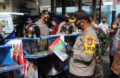 Kapolres Tulungagung AKBP Eva Guna Pandia saat merilis program 'Mobil dan Motor Pintar Anak Tangguh Semeru' di halaman Mapolres Tulungagung, Kamis (16/7/2020). (Ist)