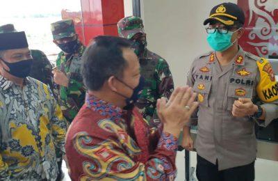 Mendagri Tito Karnavian saat hadiri Rakor Pilkada Serentak tahun 2020 dan pengarahan Gugus Tugas Covid 19 di kota Pontianak.(foto.Ist)