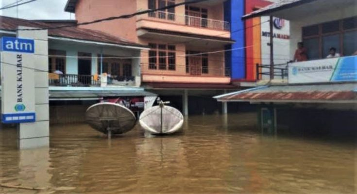 Banjir 2 Meter, 6 Titik Jalan Provinsi Menuju Kota Nanga ...