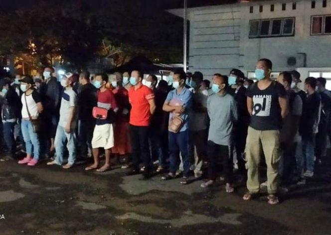 Sebanyak 89 pekerja migran Indonesia kembali dideportasi dari Malaysia dan tiba di Kantor Dinas Sosial provinsi Kalimantan Barat pada pukul 23.30 WiB, Kamis (15/10/2020) malam.  (Photo: istimewa)